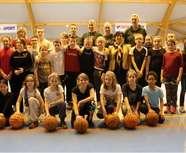 Les joueuses de basket d'Escaudain ont initié les écoliers d'Hélesmes  (VdN)